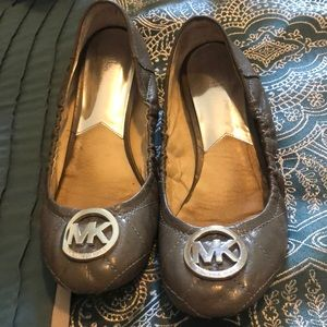 Slippers- Michael Kors